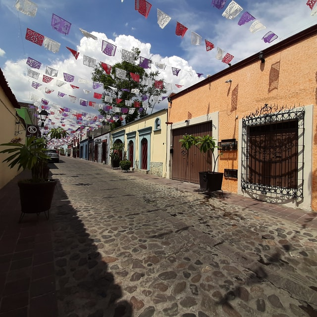 A picture of a street in Oaxaca, Mexico